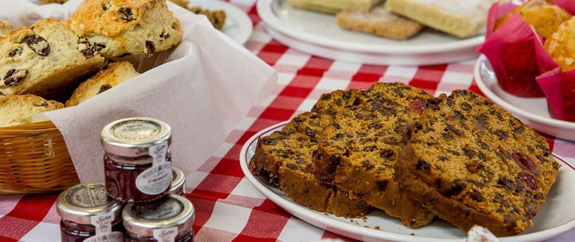 Cakes_Whistlestop_Cafe_Bure_Valley-182