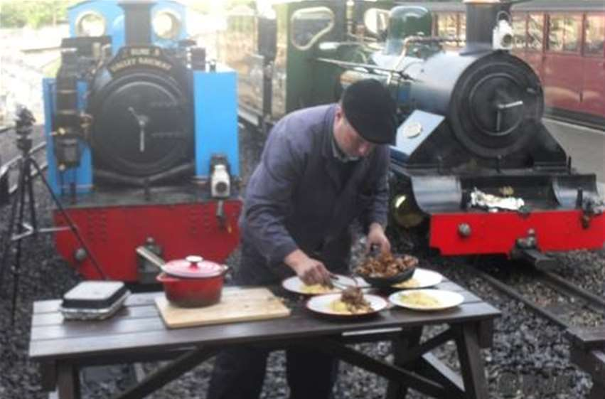 Loco Cooking - Plating up the duck and rice in front of the camera